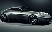 Bondův exkluzivní Aston Martin DB10 se vydražil za více než 3 miliony eur, což překonalo původní očekávání
