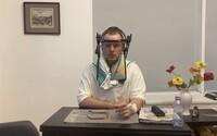 Boris Kollár má v nemocnici ženské návštevy, ktoré ostávajú celú noc. Sestričky sa sťažujú, že im musia variť čaj