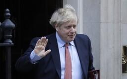 Borise Johnsona museli s koronavirem přeložit na jednotku intenzivní péče, jeho stav se zhoršil