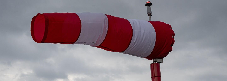 Bouře Klaus sílí, na Evropu se žene vítr o síle hurikánu