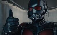 Box Office: Ant-Man zbiera mravenčie tržby a Jurský svet sa teší z miliardy a pol