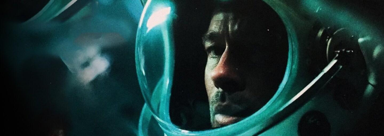 Brad Pitt sa v sci-fi Ad Astra vydáva na planétu Neptún, kde jeho otec Tommy Lee Jones pátral po mimozemšťanoch