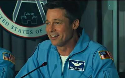 Brad Pitt se ve sci-fi Ad Astra vydává na Neptun, kde jeho otec Tommy Lee Jones pátral po mimozemšťanech