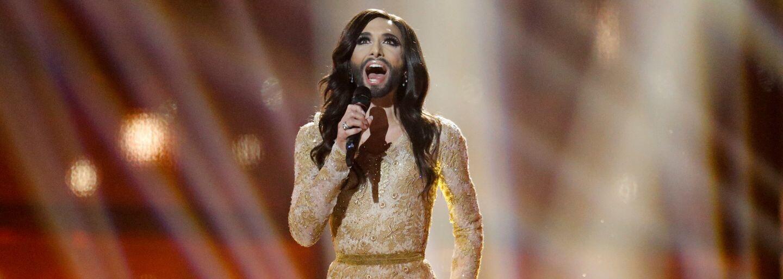 Bradatá speváčka Conchita Wurst radikálne zmenila svoju vizáž. Z Rakúšanky je po novom plnohodnotná blondína