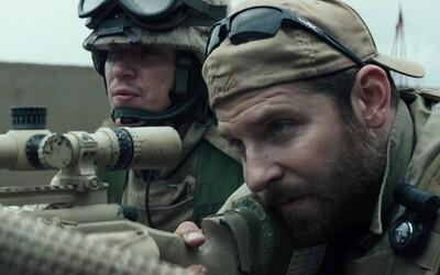 Bradley Cooper a Clint Eastwood spolu natočia ďalší film. Pôjde o skutočný príbeh 80-ročného šoféra, ktorý pracoval pre mexický kartel