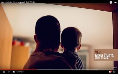 Branči Kováč venuje najnovšiu skladbu synovi pri príležistosti jeho druhých narodenín