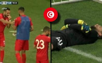 Brankár Tuniska predstieral bolesť, aby sa spoluhráči najedli. Všetko kvôli Ramadánu a jeho obmedzeniam