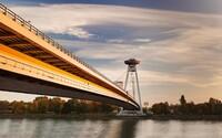 Bratislava bude mať unikátnu atrakciu. Z vyhliadkovej veže UFO sa budeš môcť spustiť lanovkou rovno na pláž pod mostom