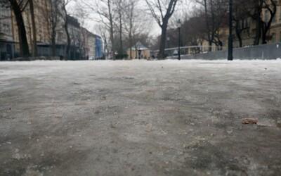 Bratislava prehrala boj s ľadom. Koľkokrát si už spadol?