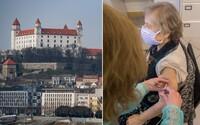 Bratislava sa už nikdy nedostane do čiernej ani bordovej fázy. Dosiahla totiž 75-percentnú zaočkovanosť ľudí nad 50 rokov