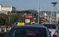 Bratislavskí taxikári nebudú cez hokejové MS ošklbávať turistov. Za nástup si vypýtajú maximálne 4,5 €
