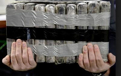 Brazilce cestujícího s prezidentem na summit chytili s 39 kily kokainu v zavazadle