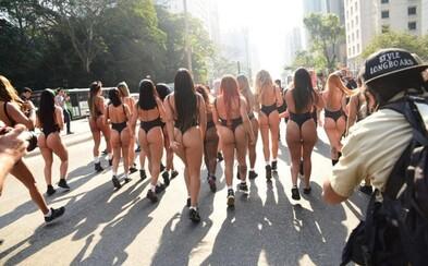 Brazílie hledá nekrásnější dámský zadeček. Soutěžící dívky se sešly, aby zapózovaly a v celé kráse ukázaly svá vytrénovaná pozadí
