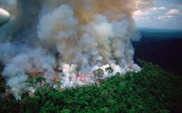 Brazílsky prezident tvrdí, že Amazonský prales zapálili charitatívne organizácie