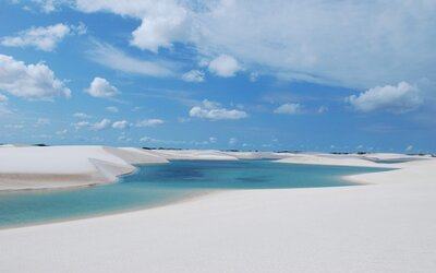 Brazílsky púštny národný park v sebe ukrýva nádherné modré lagúny