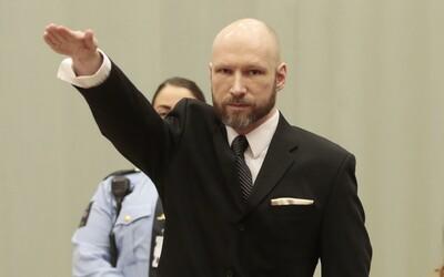 Breivik chladnokrvne strieľal do detí na zemi, aby sa uistil, že sú mŕtve. Na 10. výročie sa môže dostať na slobodu a chce milióny