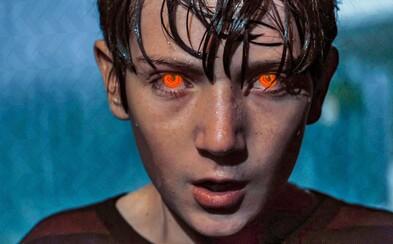 Brightburn ukazuje, ako by to vyzeralo, keby Supermanovi preplo a stal sa zabijakom s detskou tváričkou (Recenzia)
