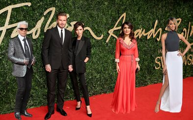 British Fashion Awards 2015: víťazi a najlepšie oblečené osobnosti, medzi ktorými nechýbali Beckhamovci, Jourdan Dunn či Lady Gaga