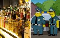 Britská polícia chytila 21 kriminálnikov vďaka triku zo Simpsonovcov. Lacnému alkoholu a sladkostiam neodolal takmer nikto