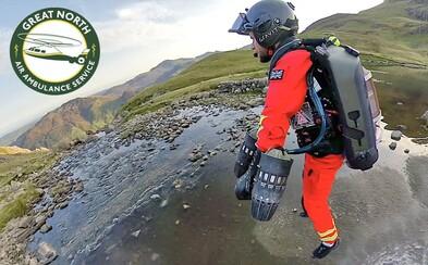 Britští letečtí záchranáři mají novou pomůcku. K zraněným chtějí létat v raketových oblecích