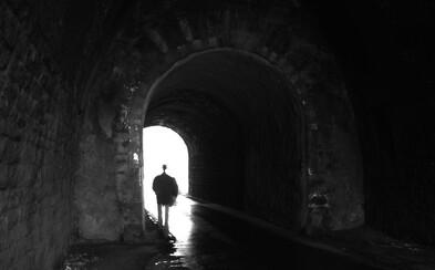 Britští vědci v nové studii zjistili, že silné psychedelikum DMT navozuje pocity blízké smrti