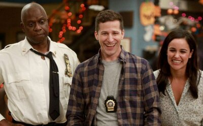 Brooklyn Nine-Nine se vrací! Seriál v retro traileru slibuje velkou porci zábavy