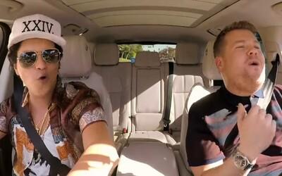 Bruno Mars a James Corden si v novom Carpool Karaoke vymenili aj zopár tipov o randení. Energický spevák sa na scénu vrátil vo veľkom štýle