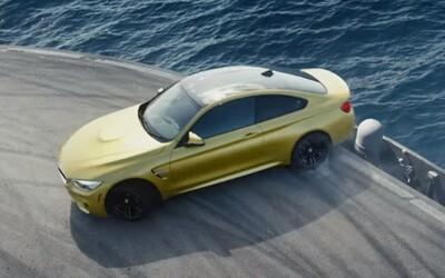 Brutálne BMW M4 si driftuje na okruhu postavenom na lietadlovej lodi!