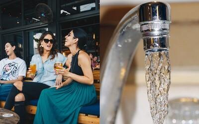 Bude voda z kohútika v podnikoch zdarma? Pre Slovákov môže ísť už čoskoro o realitu