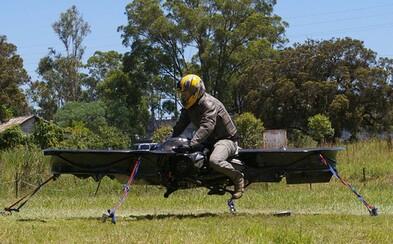 Budeme se již brzy prohánět oblohou na létajících motorkách?
