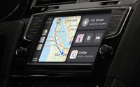 Budeme si autá odomykať iPhonom? Apple pracuje na funkcii CarKey
