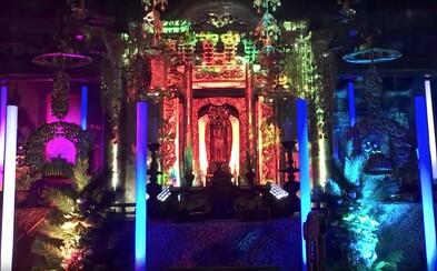 Budhistický mních láka mladých do chrámu na techno. Jeho omše sa menia na párty so svetelnou šou
