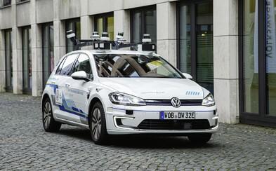 Budú mať autá niekedy plnohodnotného autopilota? Popredný predstaviteľ VW o tom pochybuje