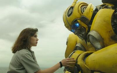 Bumblebee je podľa amerických kritikov najlepším Transformer filmom so skvelými postavami, humorom a funkčnými emóciami