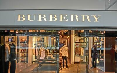 Burberry spálilo oblečenie za 32 miliónov eur, aby sa nepredávalo v zľavách. Svoju exkluzivitu musí značka udržiavať radikálne