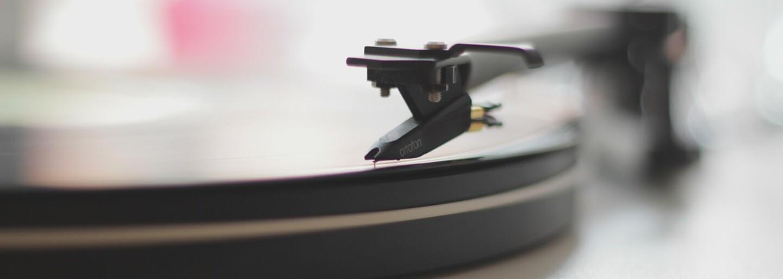 Bývalá přítelkyně Aviciiho si na zesnulého hudebníka zavzpomínala dojemným příspěvkem. Srdceryvné fotky jí ho stále připomínají