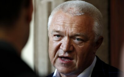 Bývalého politika ANO a podnikatele z Brna zachytily odposlechy. Podle policie údajně hovořili o úplatcích či Faltýnkovi