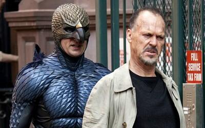 Bývalý Batman v prvej ukážke originálnej komédie Birdman