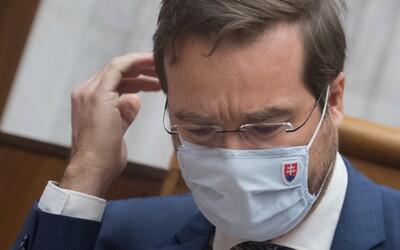 Bývalý minister zdravotníctva Marek Krajčí bol na rozlúčke s kolegami z rezortu v miestnosti s viacerými ľuďmi bez rúška