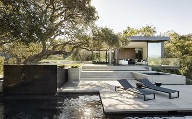 Bývanie snov obkolosené bazénom a nádhernou prírodou ukryté v exkluzívnej časti Beverly Hills