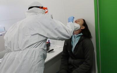 Britská mutace koronaviru je potvrzena již v šesti krajích Česka.