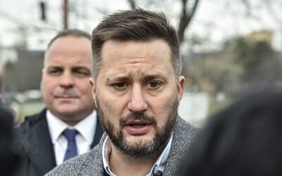 Bratislavský primátor Vallo kvôli koronavírusu požiadal o zníženie platu. Po novom zarobí mesačne 6 000 eur.