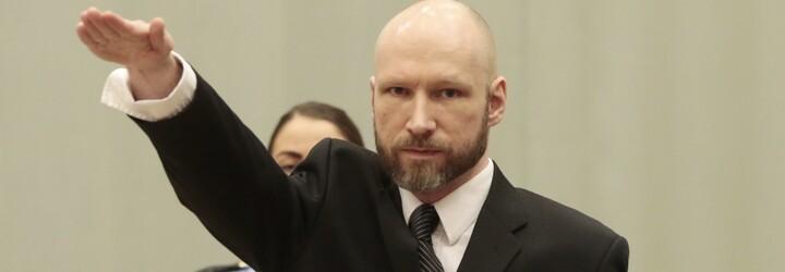 Breivik chladnokrevně střílel do dětí na zemi, aby se ujistil, že jsou mrtvé. Na 10. výročí se může dostat na svobodu