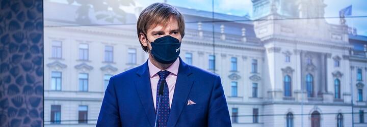 PŘEHLED: Epidemie se vrací. Vláda zpřísňuje restriktivní opatření, podívej se, co se změní