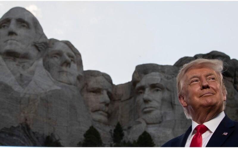 Donald Trump by rád viděl svou tvář vytesanou do legendární hory Rushmore.