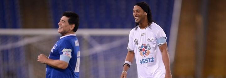 Přihrávka zády či obrovský přehled ve hře. Ronaldinho opět ukázal, že je nejlepší kouzelník s míčem