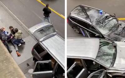 VIDEO: V Nemecku vrazil vodič autom do ľudí na pešej zóne. Dvoch zabil.