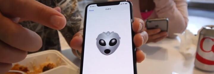 Internetem kolují videa, kde je iPhone X přímo v akci. Novinka z Kalifornie vypadá parádně