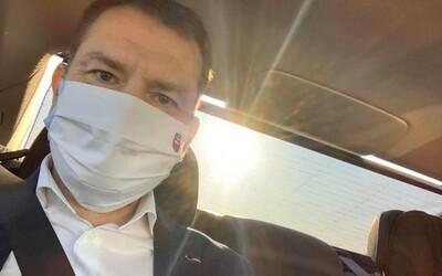 Igor Matovič: Idem v aute domov a plačem, na Slovensku zomrel prvý 48-ročný lekár na Covid-19.