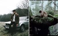 Calin se v nejnovějším videoklipu svléká do naha, i když se jeho srdce mění v led